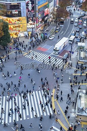 menschen die shibuya crossing shibuya tokio