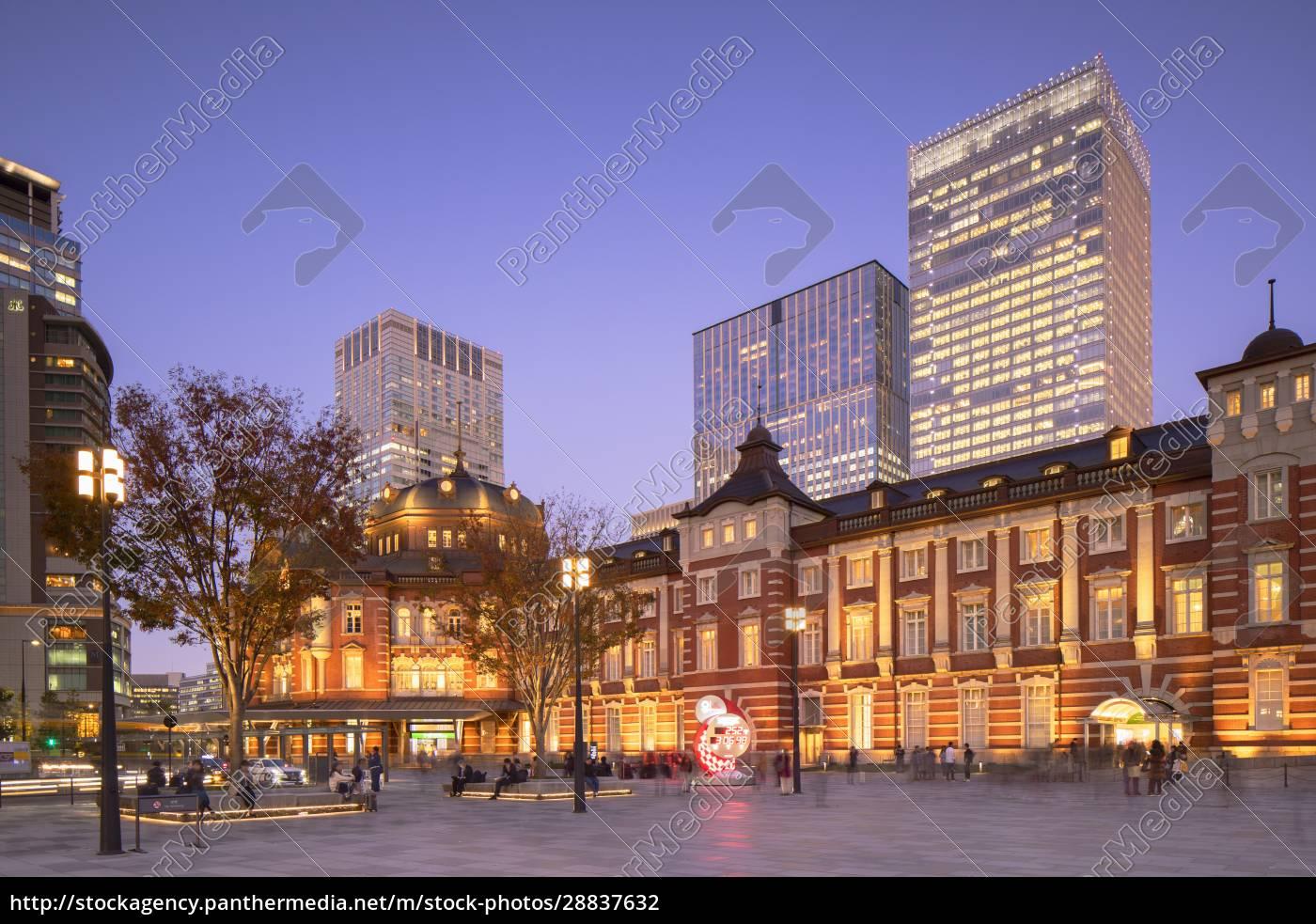 tokyo, station, in, der, dämmerung, tokio, honshu, japan, asien - 28837632