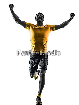 mann laeufer laufen jogger joggen gluecklich
