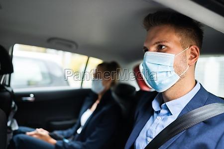 menschen fahrgemeinschaften und carsharing