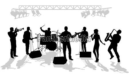musikgruppe auf der buehne
