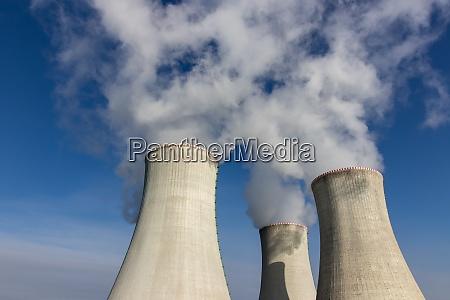 kuehltuerme eines kernkraftwerks