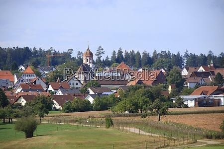 blick auf die stadt neuhausen landkreis