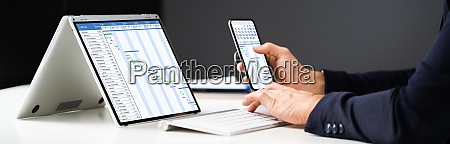 laptop digital electronic gantt diagramm