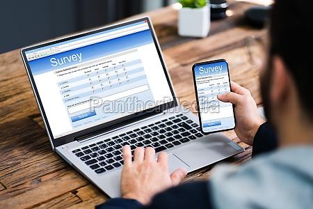 formular oder bericht zur online unternehmensfeedback