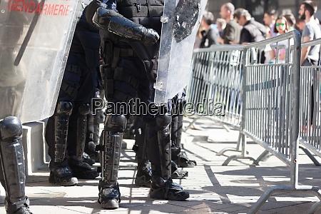 bereitschaftspolizei im einsatz bei protesten