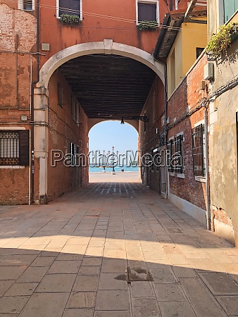 stadtstrasse in venedig italien