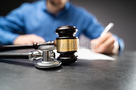 medical malpractice litigation law rechtsanwalt oder