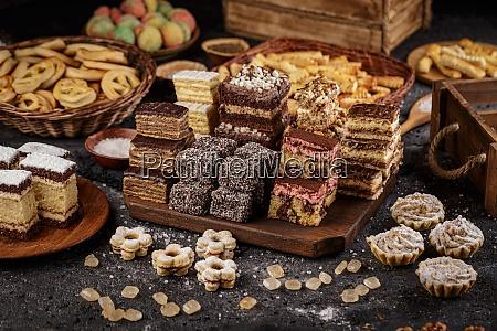 verschiedene mini kuchen