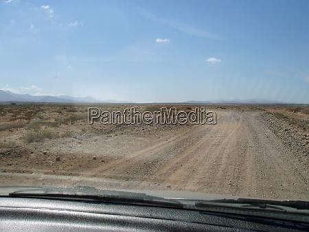 schotterstrasse unbefestigt landstrasse weg wege verkehrswege