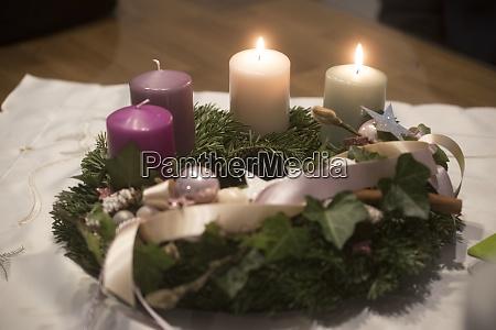 adventskranz am zweiten advent