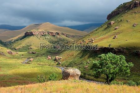 malerische drakensberg berglandschaft