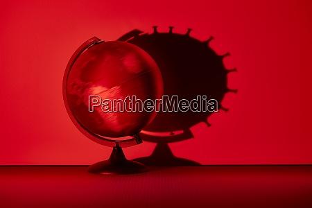 spinnkugel wirft coronavirus biologischen zellschatten auf
