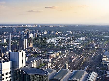 deutschland frankfurt blick auf den hauptbahnhof