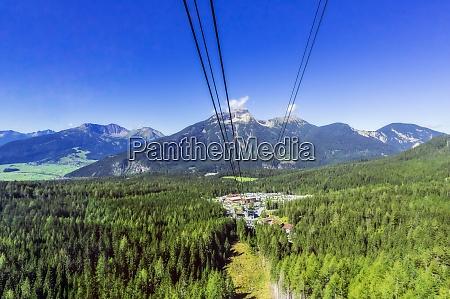 OEsterreich tirol skilift und ferienort im