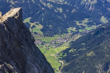OEsterreich tirol ehrwald alpenstadt im wettersteingebirge