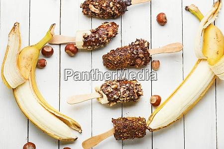 banane in schokolade