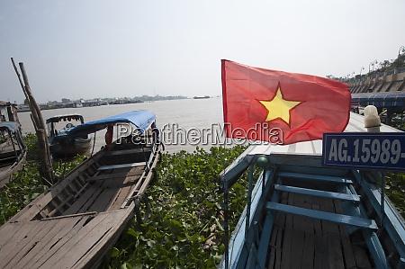 schiffsverkehr auf dem mekong in vietnam