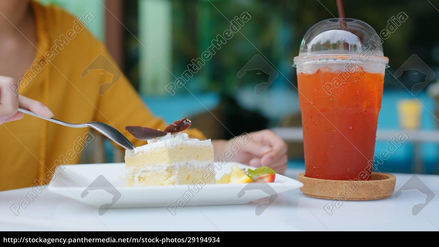 frau, essen, kuchen, in, café - 29194934