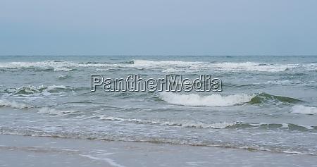 wellen, brechen, am, tropischen, sandstrand - 29194930