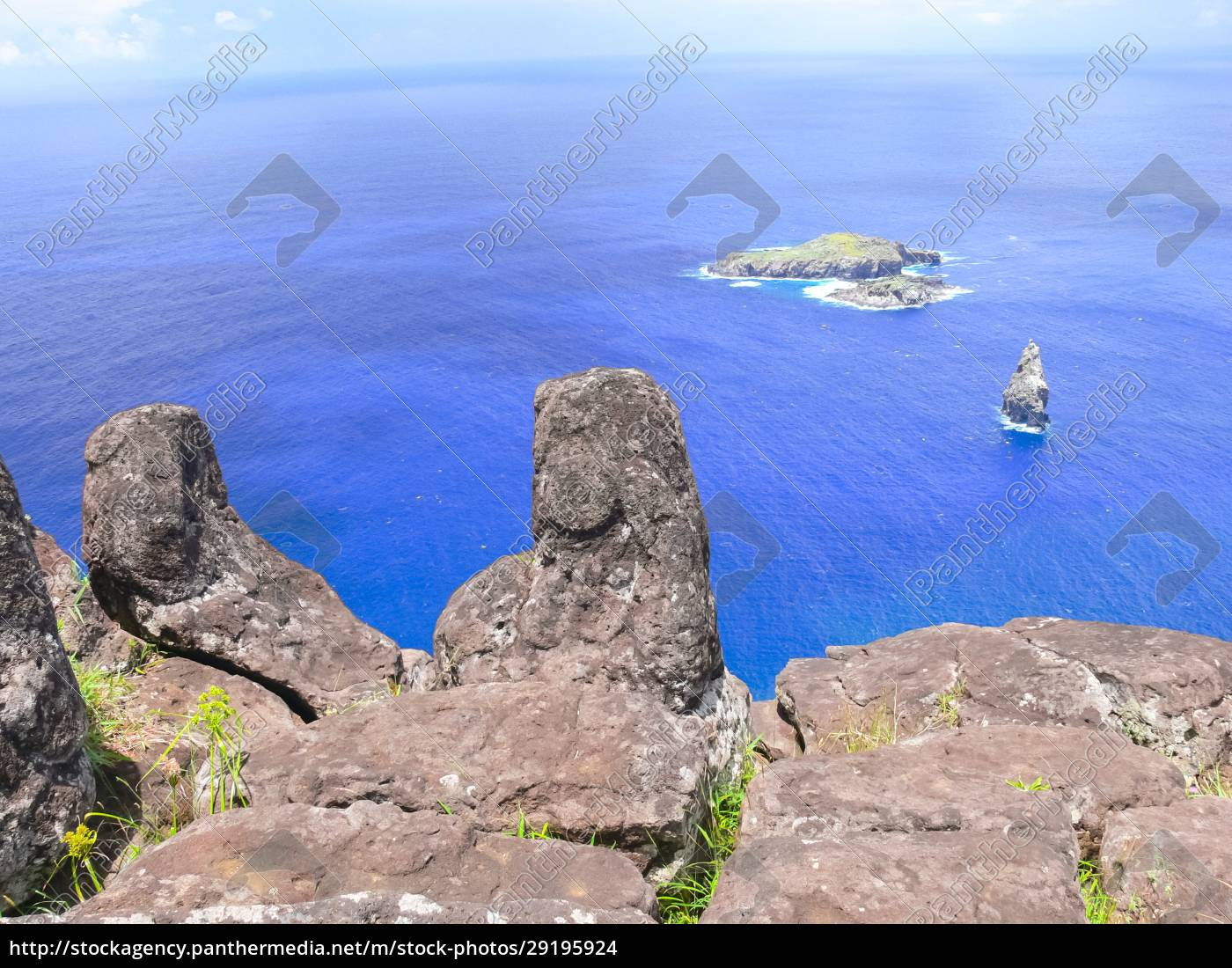 rocks, with, rock, engraving., easter, island, - 29195924