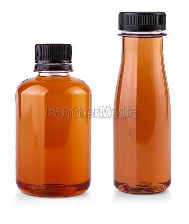flasche gesunden fruchtsaft isoliert auf weissem