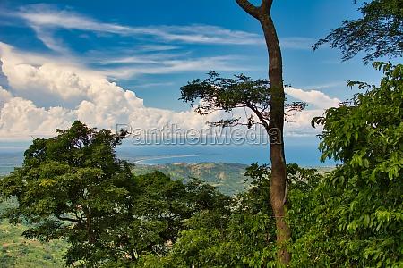 landschaftsblick auf den malawisee gesehen auf
