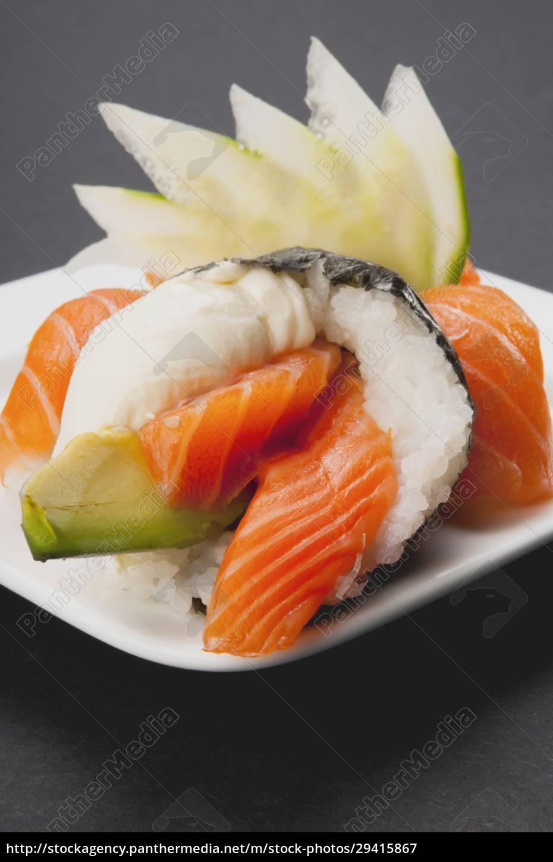close_up, of, temaki, sushi - 29415867