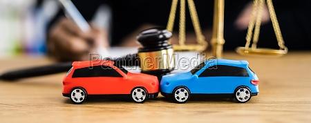 kfz unfall haftpflichtversicherung und rechtsanwalt