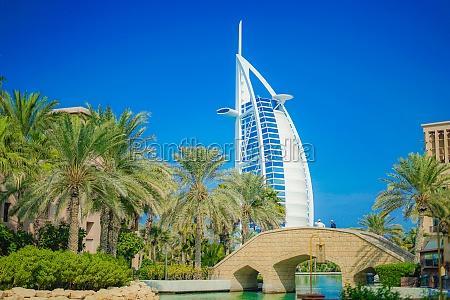 burj al arab und blauer himmel