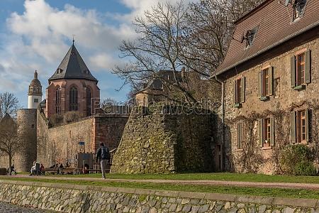 historische gebaeude am main frankfurt hoechst