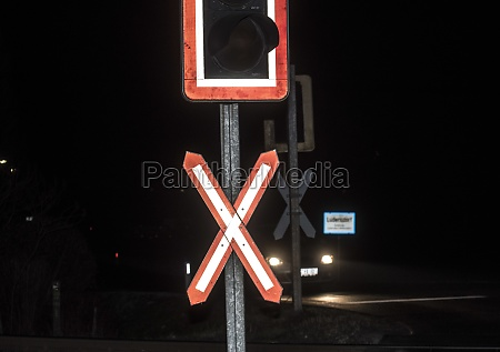 ungated, railroad, crossing, with, level, crossing - 29612166