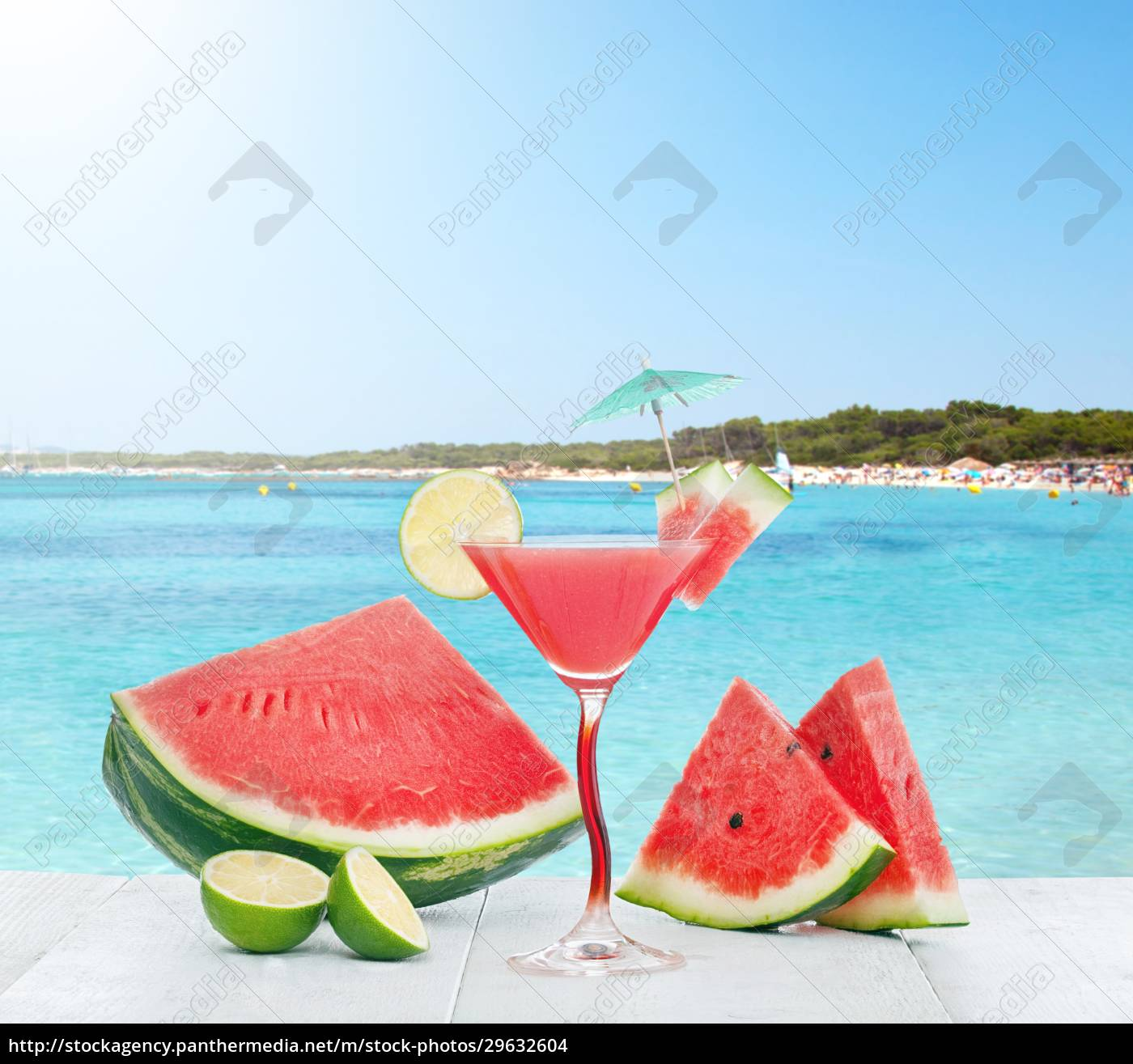 drink, of, watermelon, juice, with, lime - 29632604