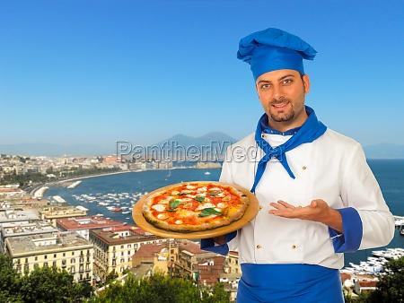 pizza hersteller mit margherita pizza in