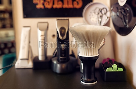 pinsel rasieren set in friseurladen