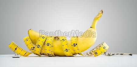 banana laenge messung mit klebeband gesundes