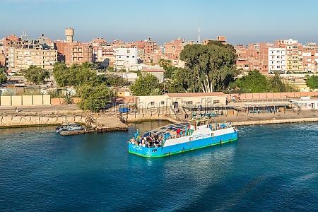 west qantara faehre in AEgypten