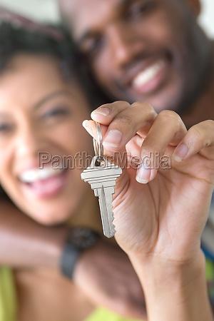 mid, adult, couple, holding, house, key - 29675965
