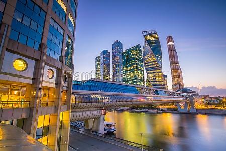 moderne wolkenkratzer der moskauer skyline in