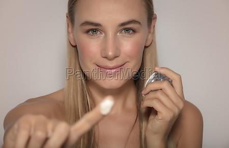 pretty girl anwendung gesichtscreme