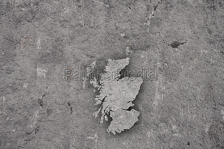 karte von schottland auf verwitterten beton
