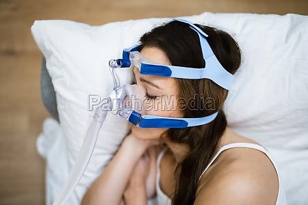 schlafapnoe sauerstoffmaske ausruestung