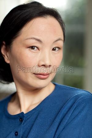 erwachsene allein orientalische figuren grossmutter aeltere
