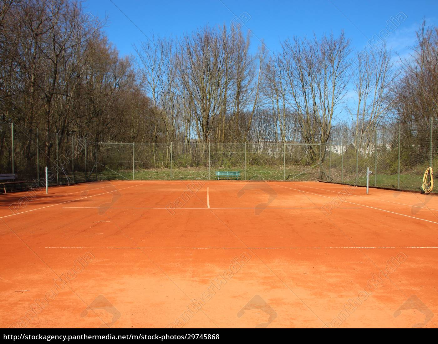 empty, red, clay, tennis, court, in - 29745868