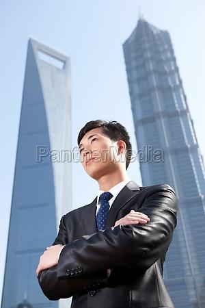 alone global financial centre junge maenner