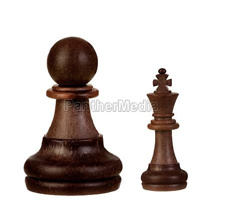 schwarze schachfiguren isoliert auf weissem hintergrund