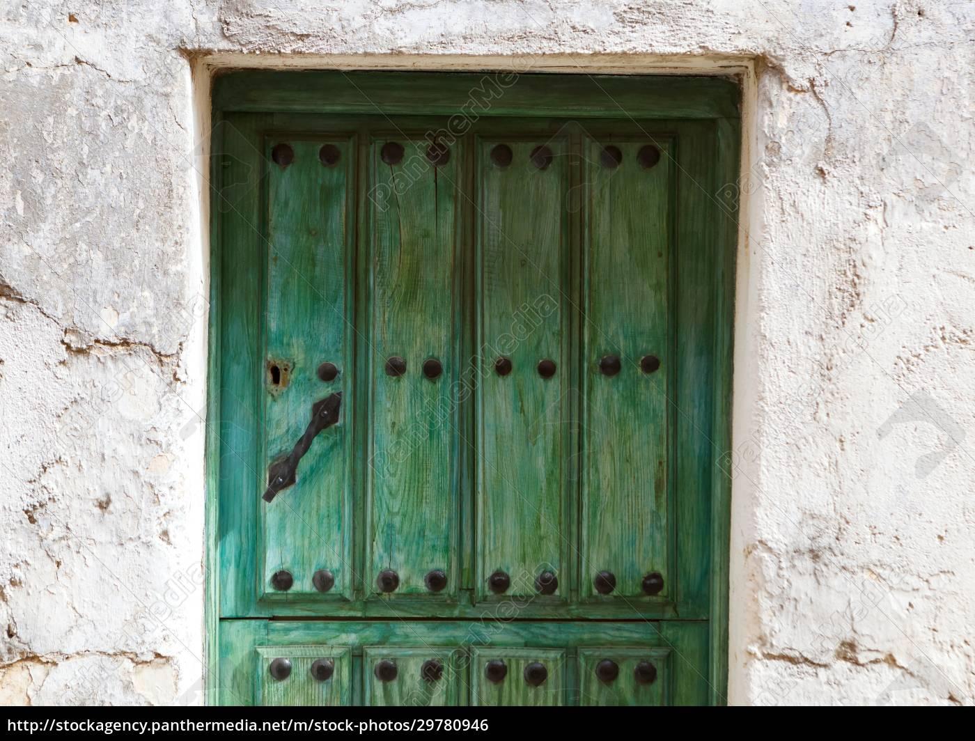 red, door, weathered, wood - 29780946