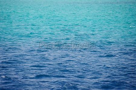 roter meer hintergrund sauberes blaues wasser