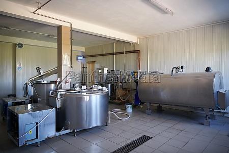 lokale kaesefabrik produktion indoor