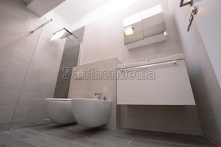 luxus stilvolle badezimmer interieur